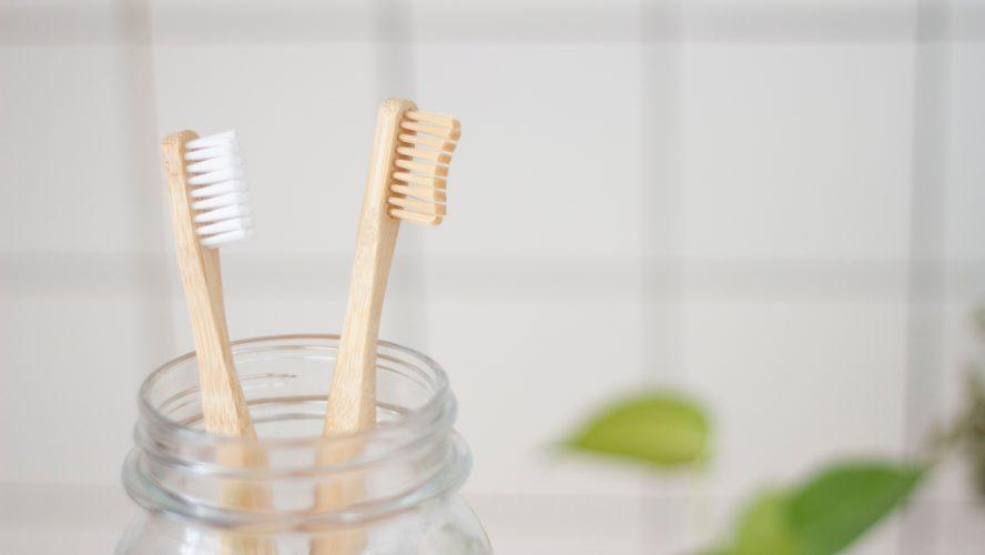 Qual é o melhor clareador dental caseiro em 2021?