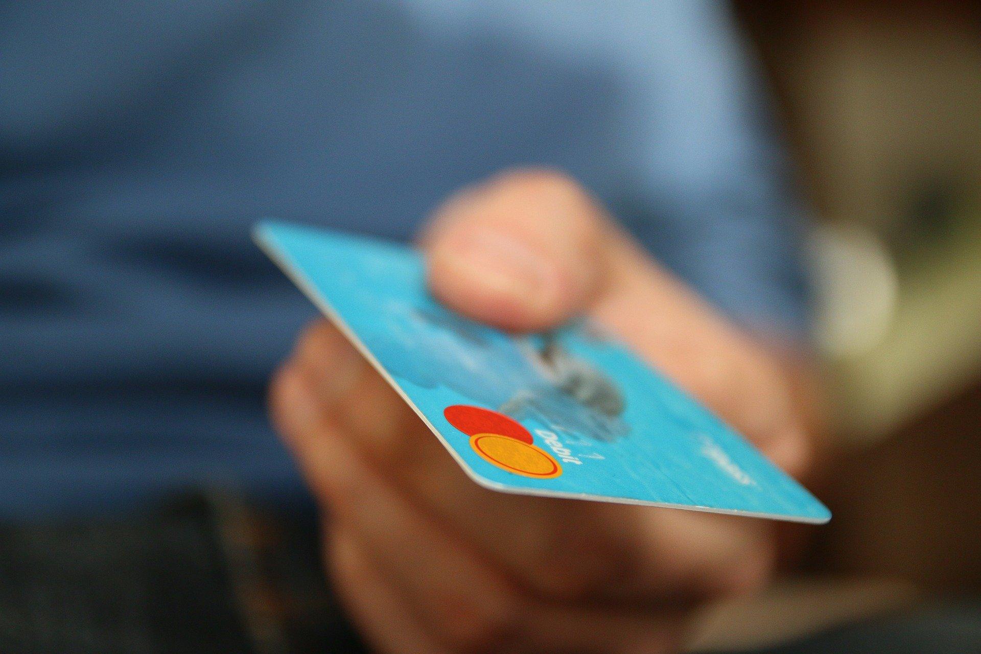 Mercado de máquinas de cartão de crédito cresce no Brasil