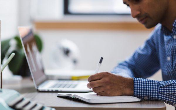Faculdade ou tecnólogo: o que é mais relevante no mercado?
